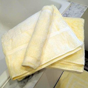 NWOT Royal Velvet Pastel Yellow Towels & Bathmat